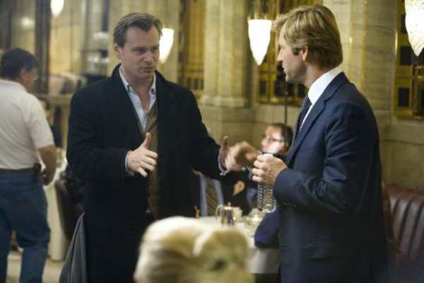 Christopher Nolan and Aaron Eckhart on the set of The Dark Knight