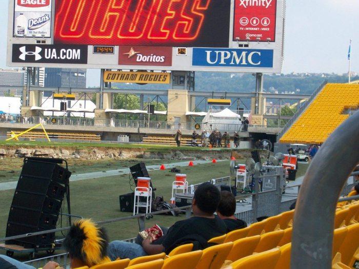 the-dark-knight-rises-Gotham Stadium is home to The Gotham Rogues football team